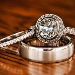 sell-engagement-ring-divorce-e1451404583886-250x250